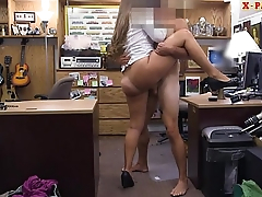 Big booty babe sells horn and pounded