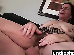 Hairy soccer mother needs a facial 4