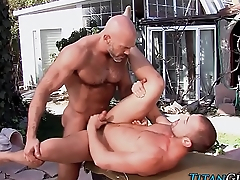 Beefy bear cums stroking