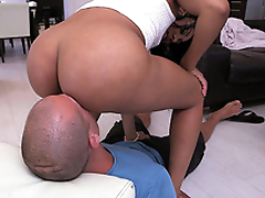Jayla Foxx plants her thick ass on his face be proper of a pussy licking