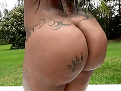 Diamond Monroe like one another off her 46 inch ass outdoor