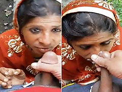 Today Exclusive- Desi Randi Bhabhi OutDoor Blowjob Part 1
