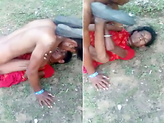 Exclusive- Desi old randi fucking outdoor by young guy
