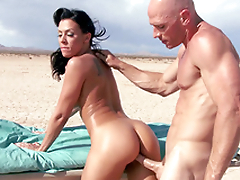 Ambulance stops in the cede and Rachel Starr enjoys XXX drilling