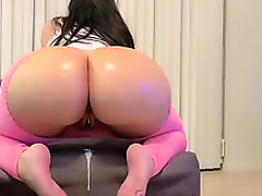 Curvy mom wants the man to fill her juicy pussy with XXX sour cream
