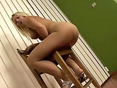 Gorgeous blonde MILF pissing in pantyhose - myfuckingwebcam.com
